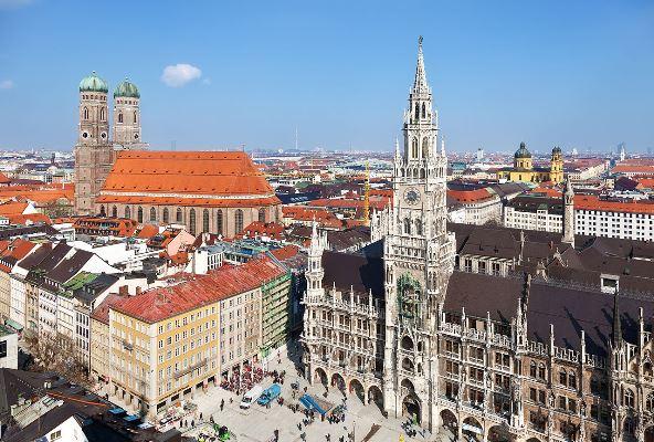 1280px-Stadtbild_München