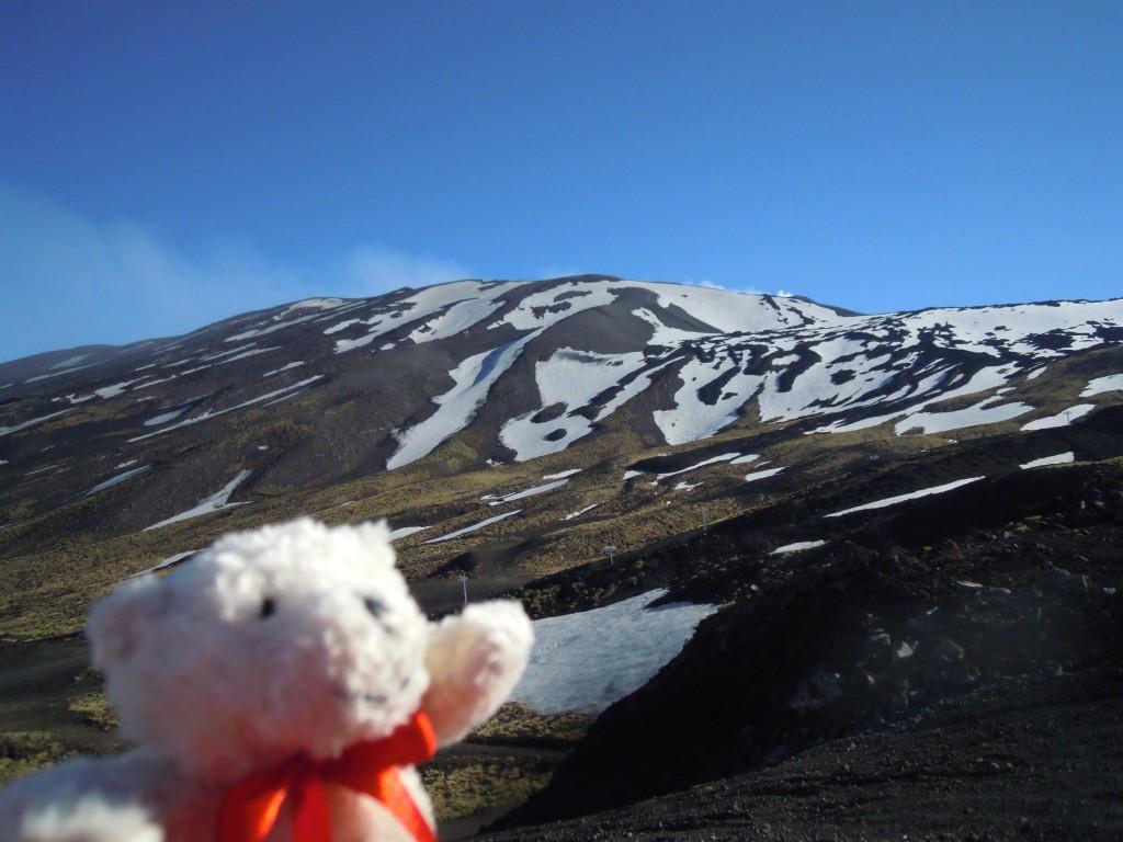 11. Medo Cousteau in Etna s severa.