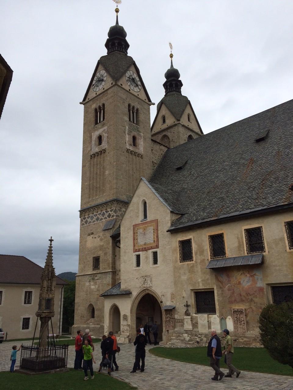 Die mächtige Kathedrale