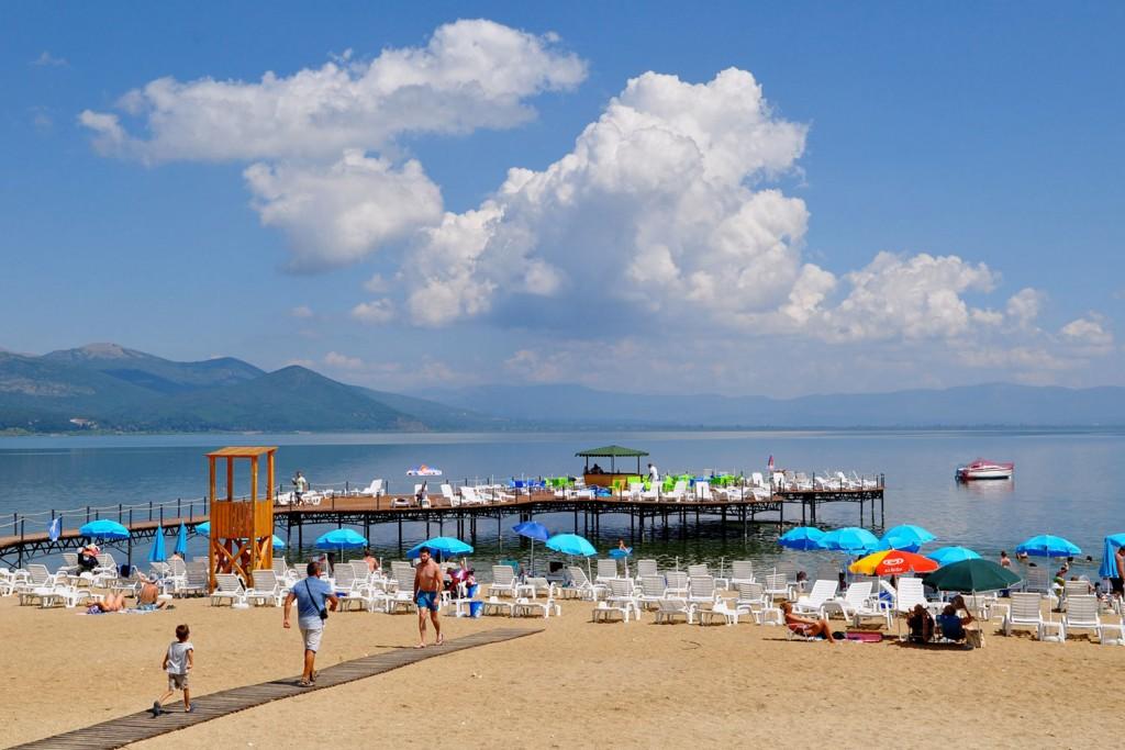 Plaža na Prespanskem jezeru.