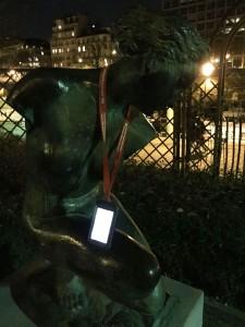Nočna najdba v Parizu.